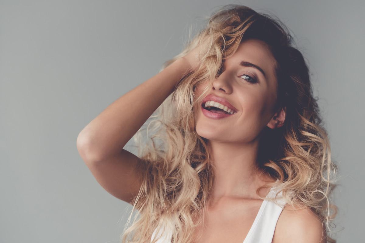 Proste triki na spektakularną fryzurę – BaBylis-totallook.pl